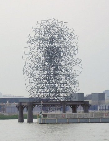 Quantum Cloud by Antony Gormley.